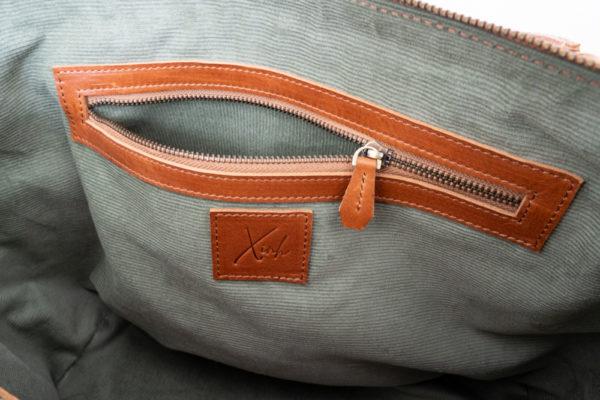 Xinh Bags: Interior Pocket & Logo