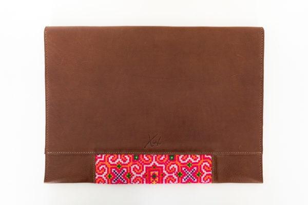 Xinh Laptop Sleeve: Handmade Leather with Sapa Textiles