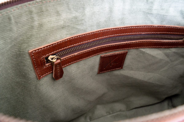 Xinh Bags: Interior Zip Pocket & Logo